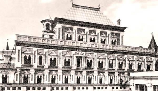 Теремной дворец.